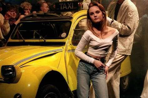 A Guide To Cool : Vanessa Paradis