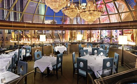 What to Expect When Dining at Oscar's | Plaza Hotel Las Vegas
