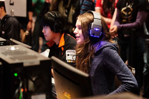 Naming the Top 10 Women in eSports Isn't as Easy as It